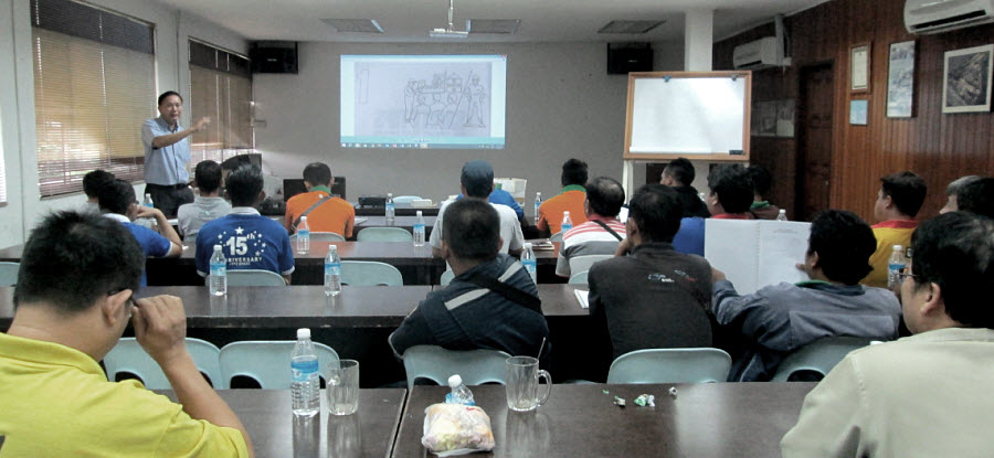 "Jaya Tiasa staffs attend the ""Forklift Operators' and Safety Training"""